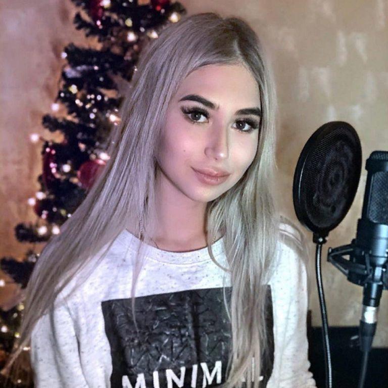 Ксения ермакова девушка модель курсовой работы по информатике